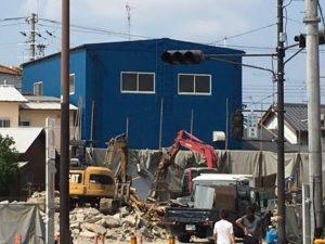 青い建物が我らが㈱吉村熔接所